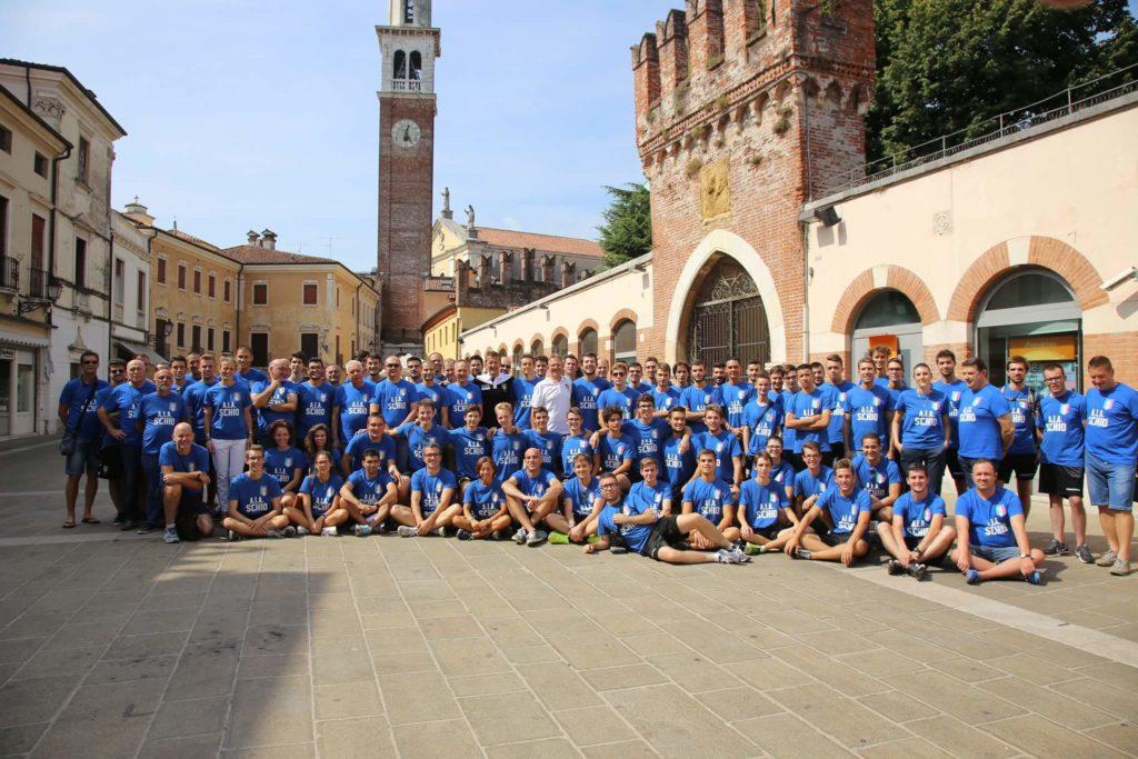 Foto di gruppo Organico 2016/2017 in Piazza A. Ferrarin a Thiene.